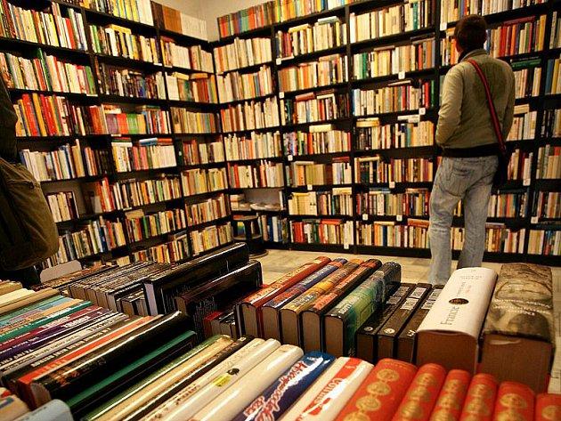 OTROKOVICE - Městská knihovna